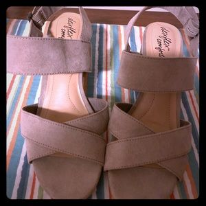 Chunky Taupe Strapped open toe heels.